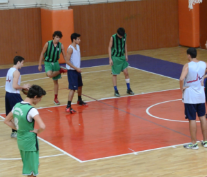 Yeni Sezona Hazırlık Maçı Ataşehir Yıldızları - Darüşşafaka Skor : 86 - 63