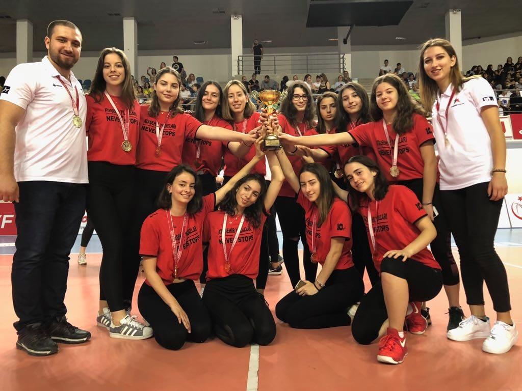 Voleybol Takımımız İstanbul Şampiyonu
